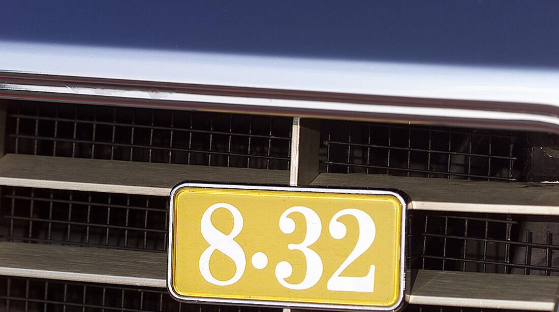 Lancia Thema 8.32 Logo