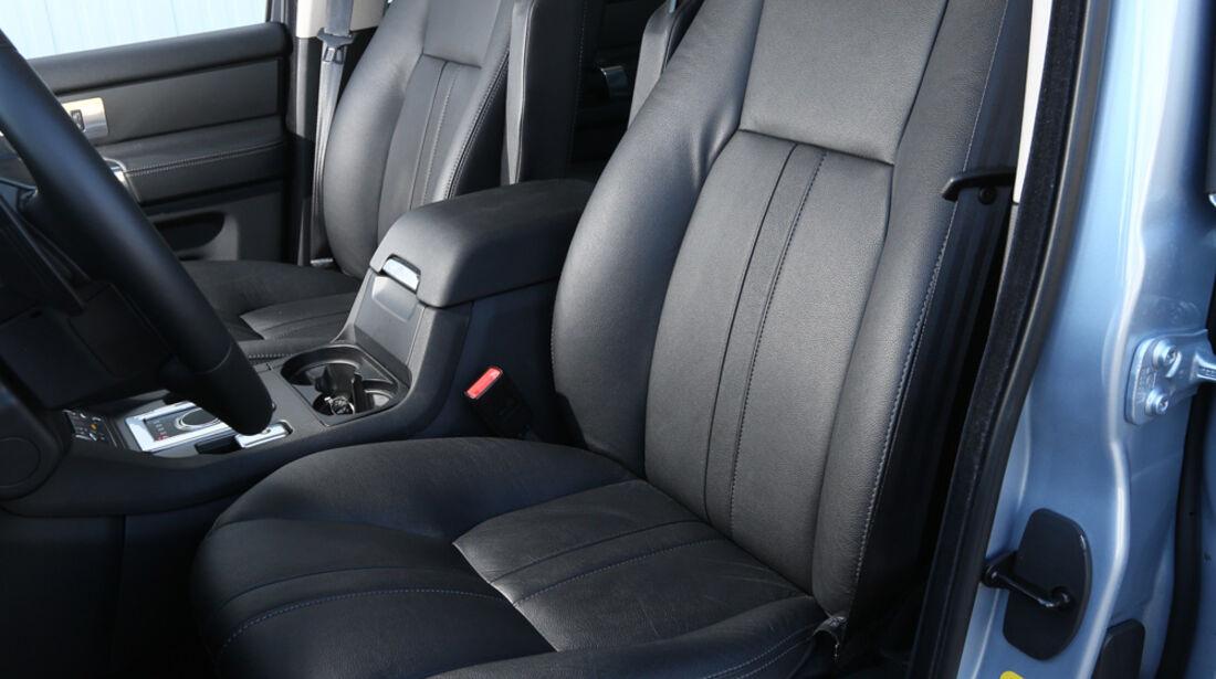 Land Rover Discovery SDV 6, Fahrersitz