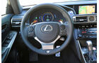 Lexus IS 300h, Lenkrad