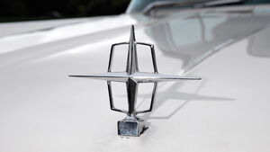 Lincoln Continental MK V, Logo, Detail