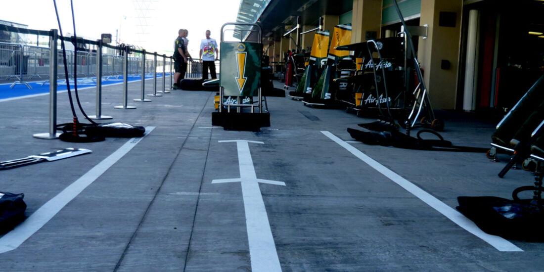 Lotus-Box - GP Abu Dhabi - 10. November 2011