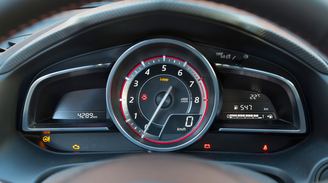 Mazda 3 Skyactiv G 120, Rundinstrumente