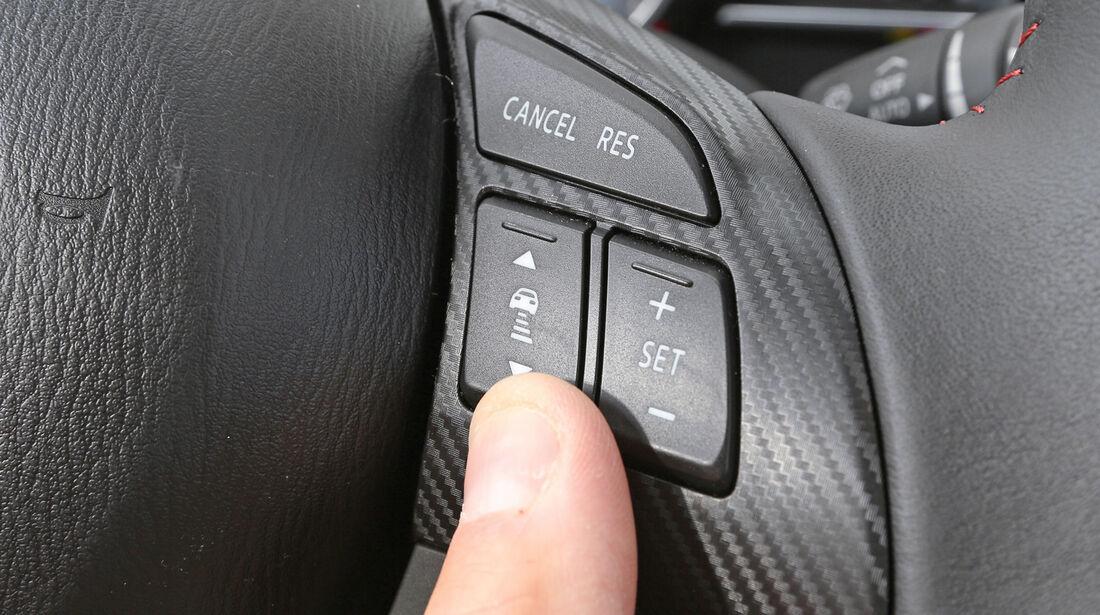 Mazda 3 Skyactiv G 165, Bedienelemente