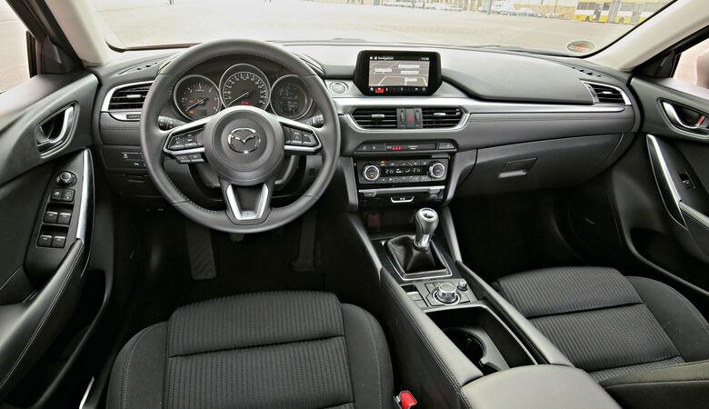Mazda 6 Kombi D 150, Cockpit