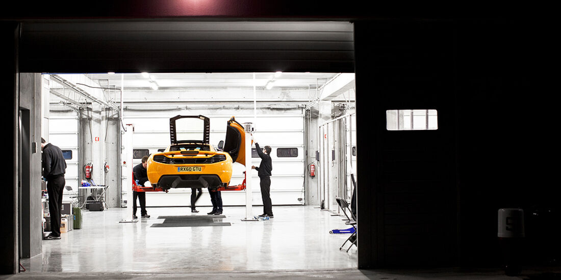 McLaren MP4-12C, Garage