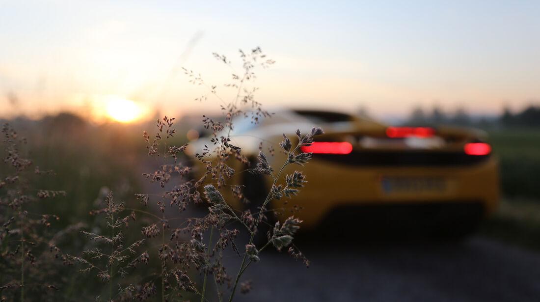 McLaren MP4-12C Spider, Heckansicht, Sonnenaufgang