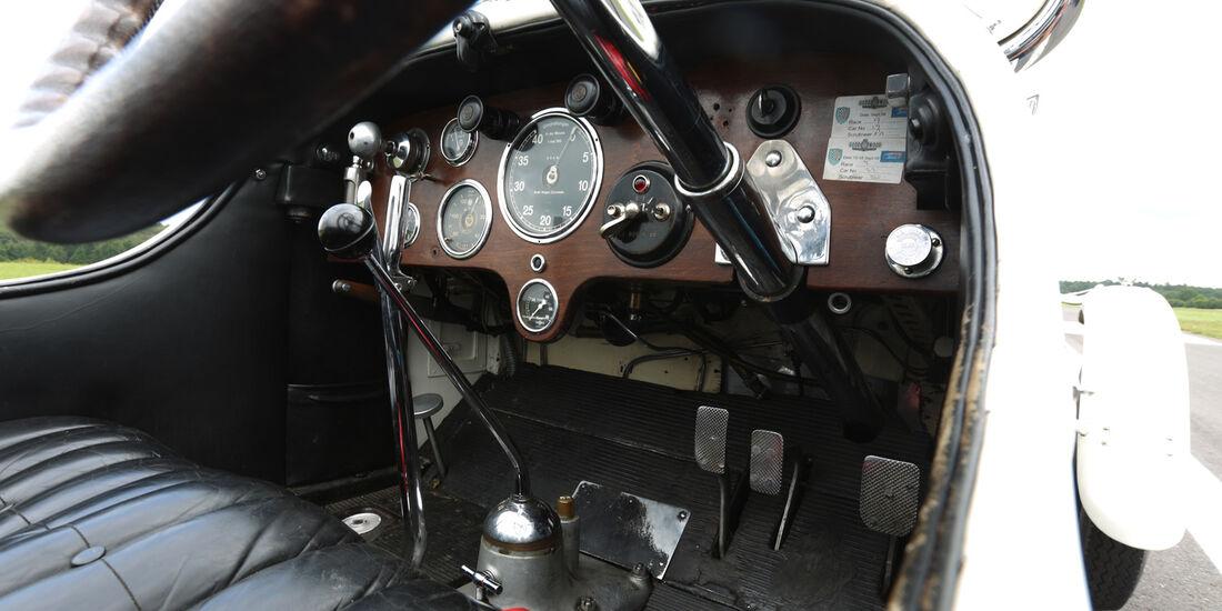 Mercedes 27/180/250 Typ 710 SS, Rundinstrumente
