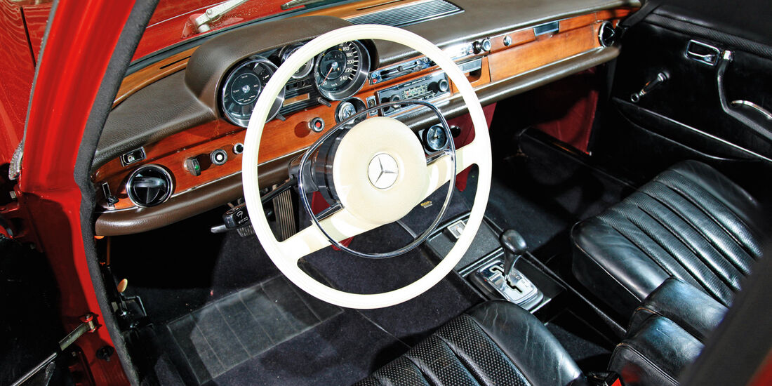 Mercedes 280 S, Cockpit, Lenkrad