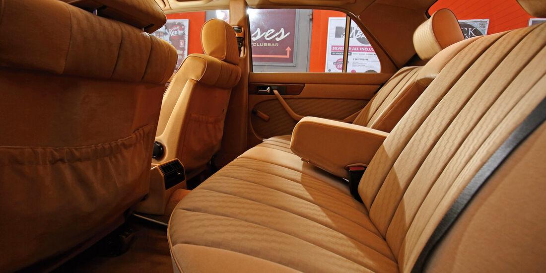 Mercedes 420 SE, Fondsitz, Beinfreiheit