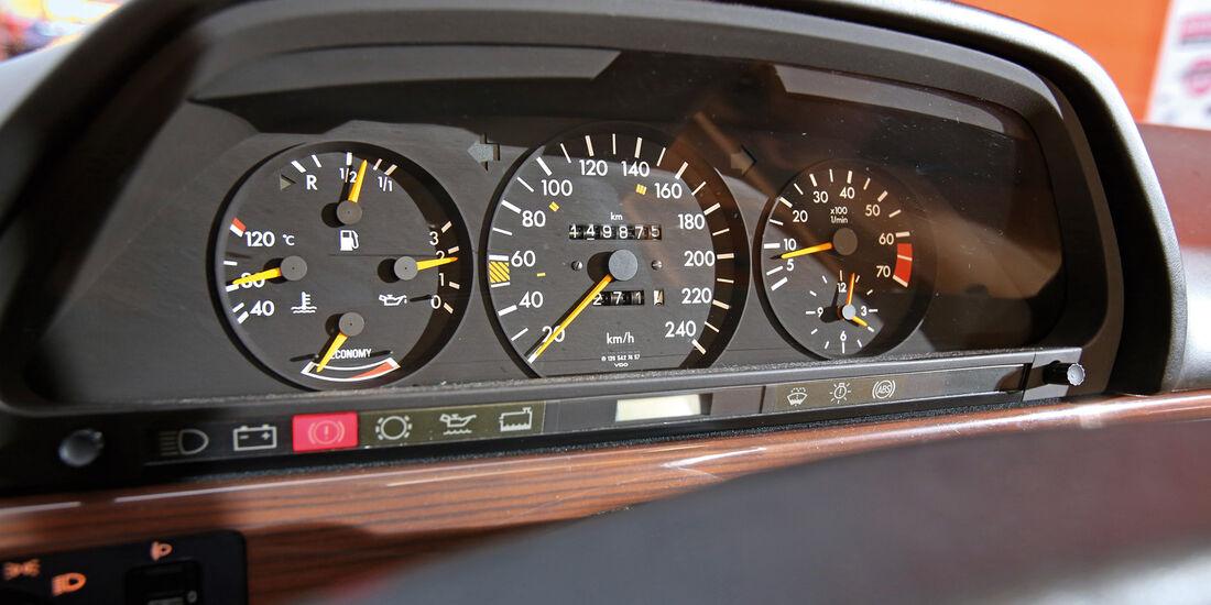 Mercedes 420 SE, Rundinstrumente