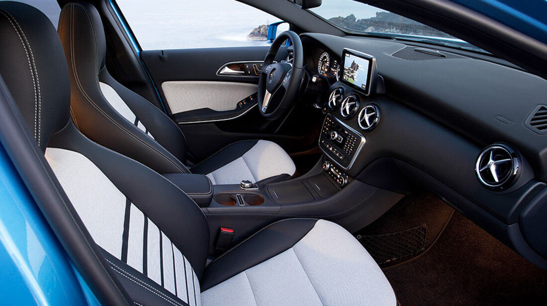 Mercedes A-Klasse, Innenraum, Cockpit