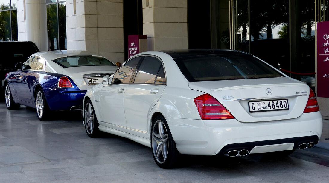 Mercedes AMG S65 & Rolls Royce Wraith - F1 Abu Dhabi 2014 - Carspotting