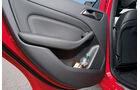 Mercedes B 200 CDI, Getränkehalter