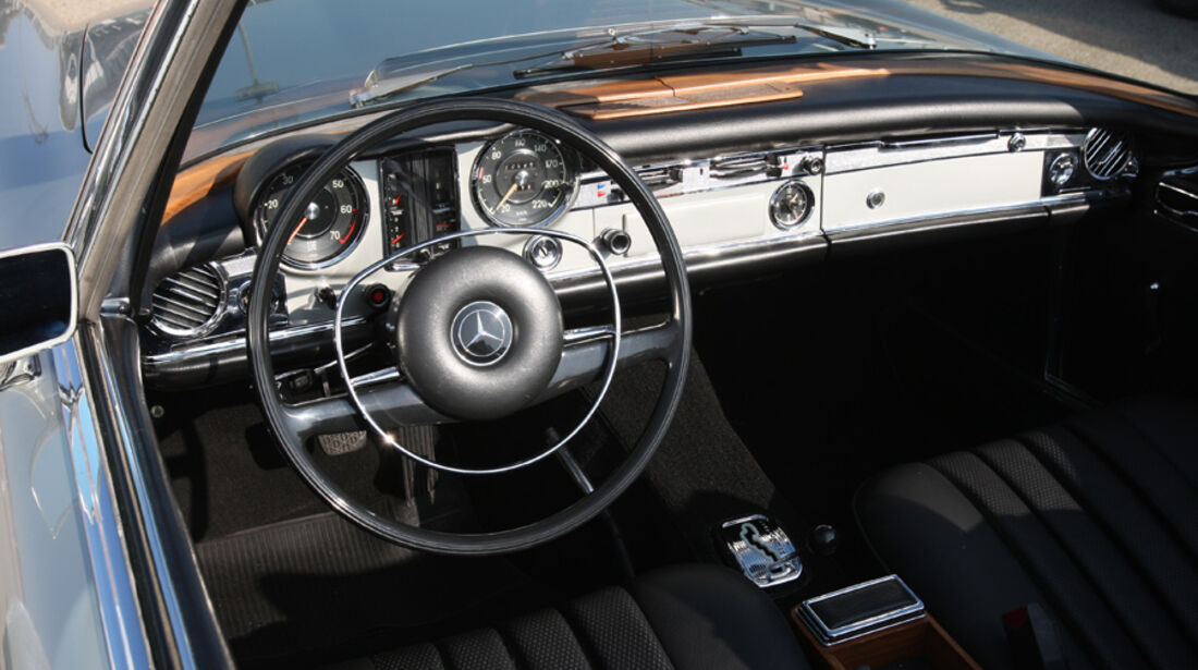 Mercedes-Benz 280 SL (W113), Cockpit