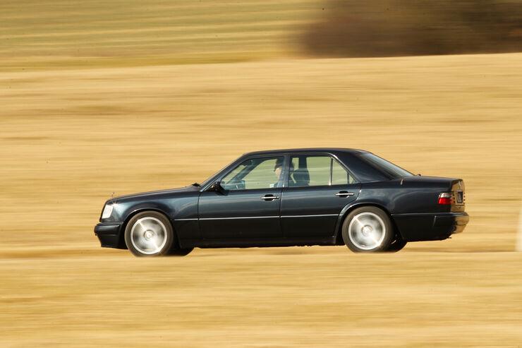 Mercedes-Benz E 500, Seitenansicht