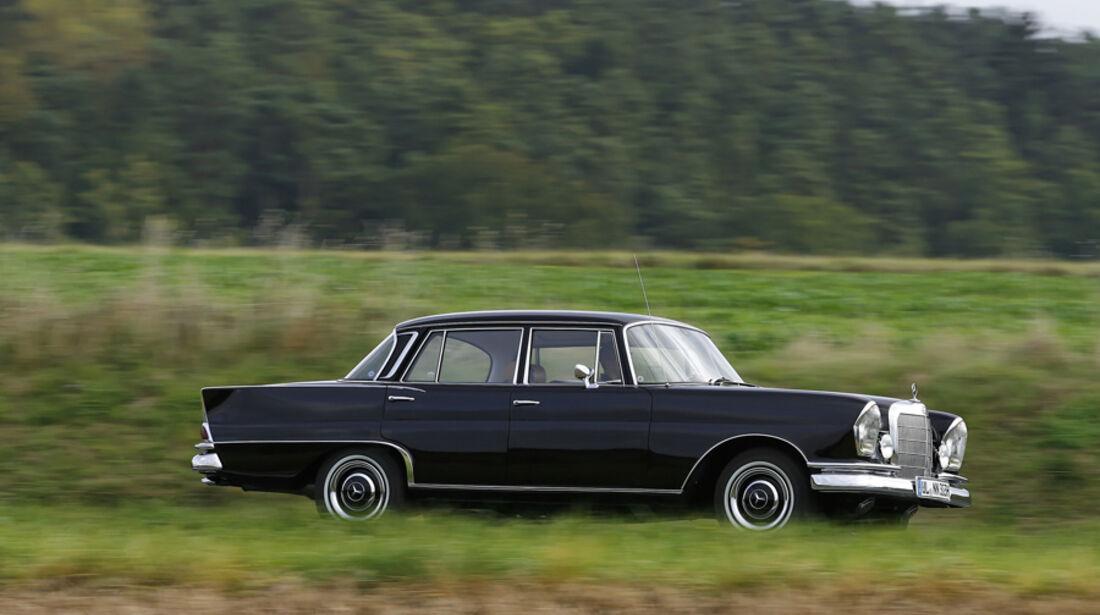 Mercedes-Benz W 111 Seite