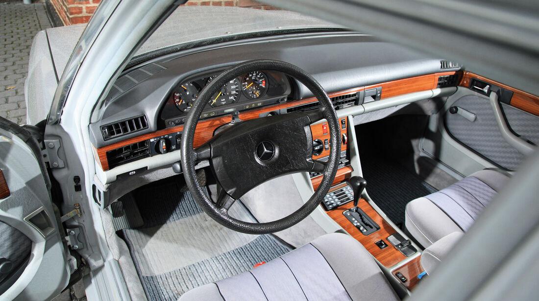 Mercedes-Benz W 126, Cockpit, Lenkrad