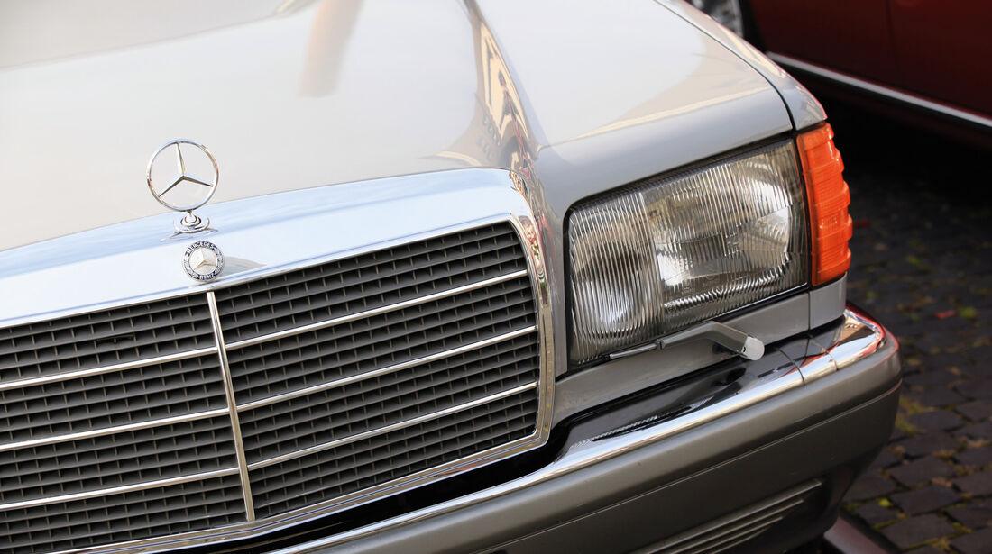 Mercedes-Benz W 126, Kühlergrill