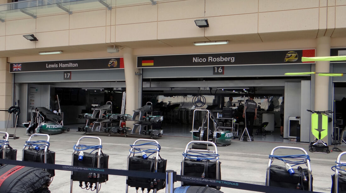 Mercedes Box - Formel 1 - GP Bahrain - 18. April 2013