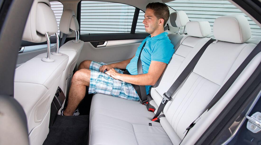 Mercedes C 200, Rücksitz, Beinfreiheit