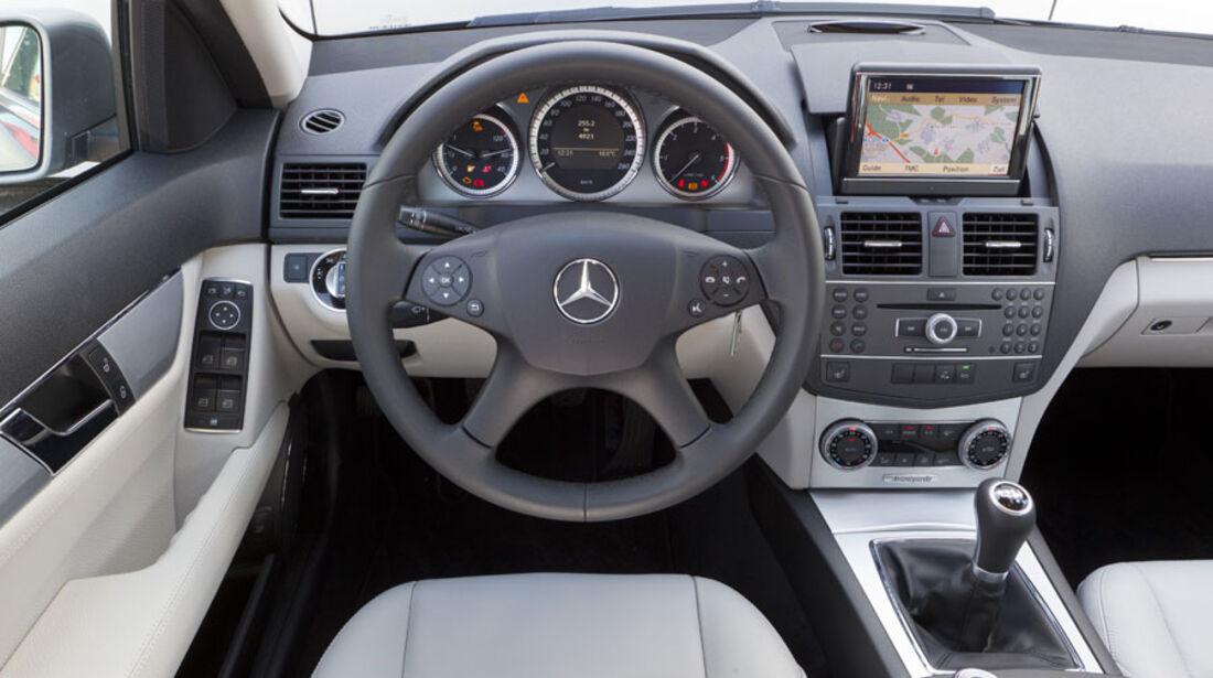 Mercedes C 220 CDI, Cockpit