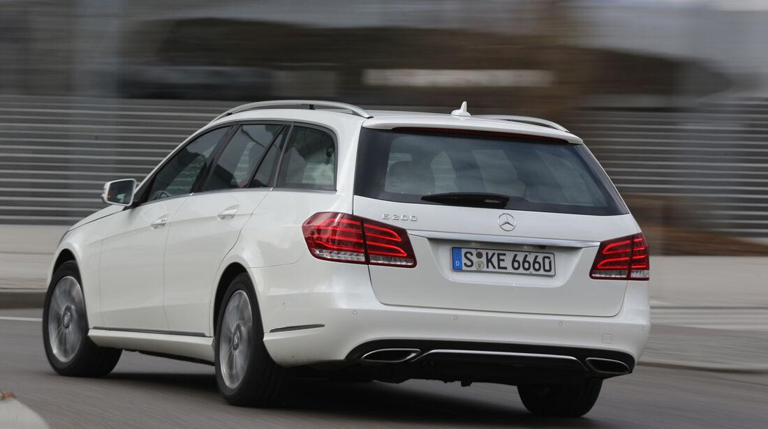 Mercedes E 200 T, Heckansicht