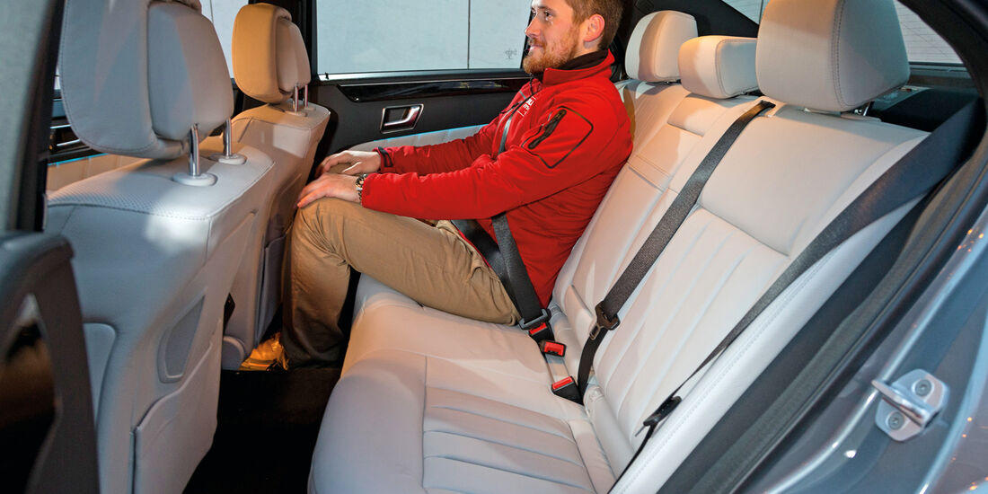 Mercedes E 350 Bluetec, Fondsitz, Beinfreiheit