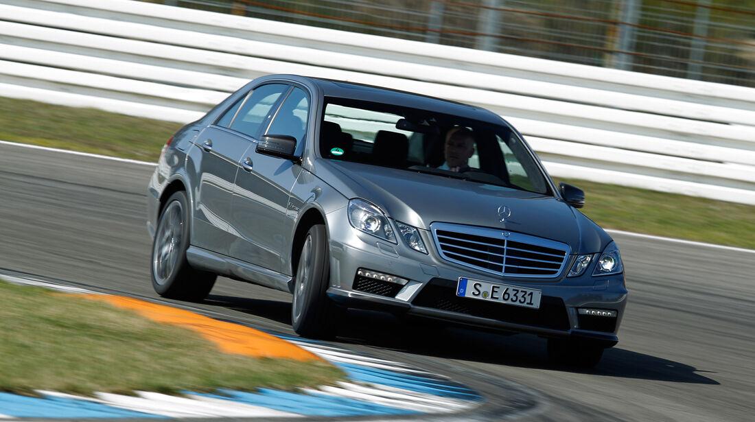 Mercedes E 63 AMG, Frontansicht, Kurvenfahrt