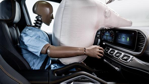 Mercedes Experimental-Sicherheitsfahrzeug, Interieur