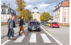 Mercedes, Fußgängerüberweg
