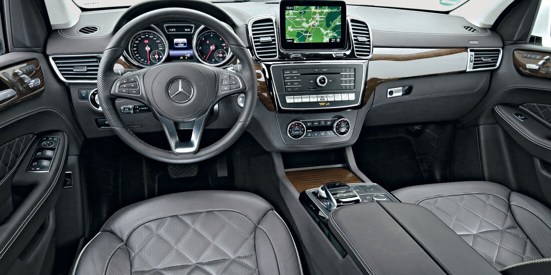 Mercedes GLS 350 d 4Matic, Cockpit