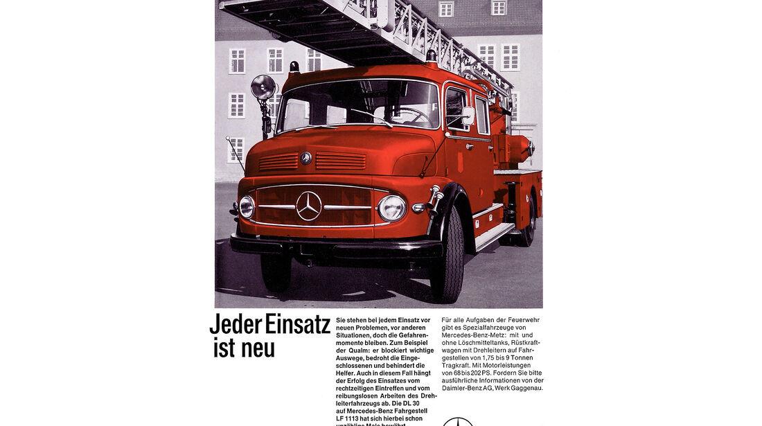 Mercedes Kurzhauber Feuerwehr Drehleiter Anzeige