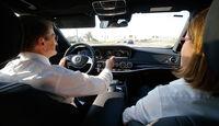 Mercedes S 500 Plug-in-Hybrid, Cockpit, Fahrt