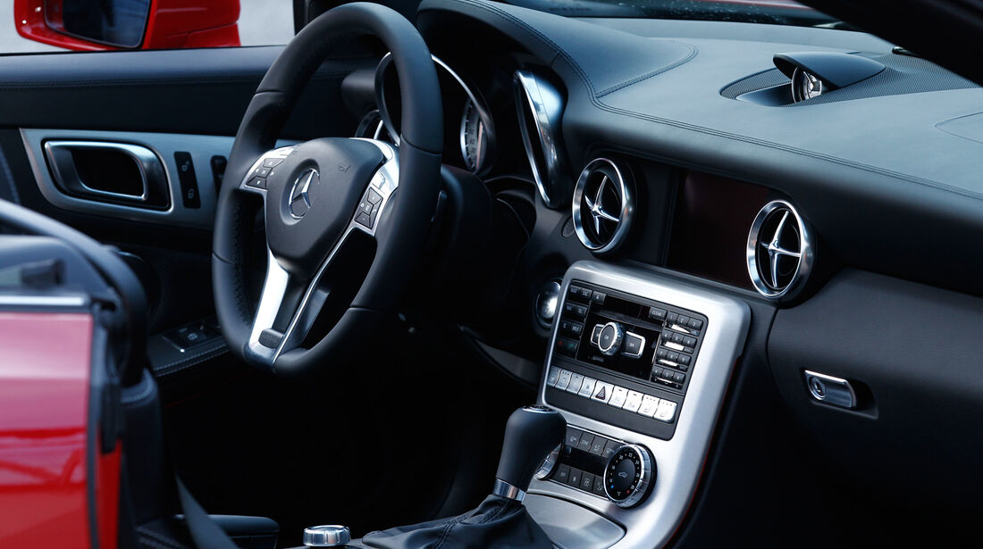 Mercedes SLK 350, Cockpit, Lenkrad