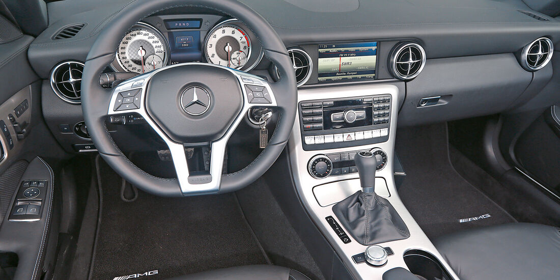 Mercedes SLK 350, Cockpit
