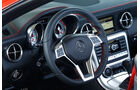 Mercedes SLK BlueEFFICIENCY, Lenkrad, Cockpit