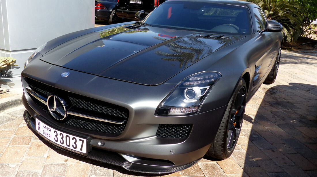 Mercedes SLS AMG GT - F1 Abu Dhabi 2014 - Carspotting
