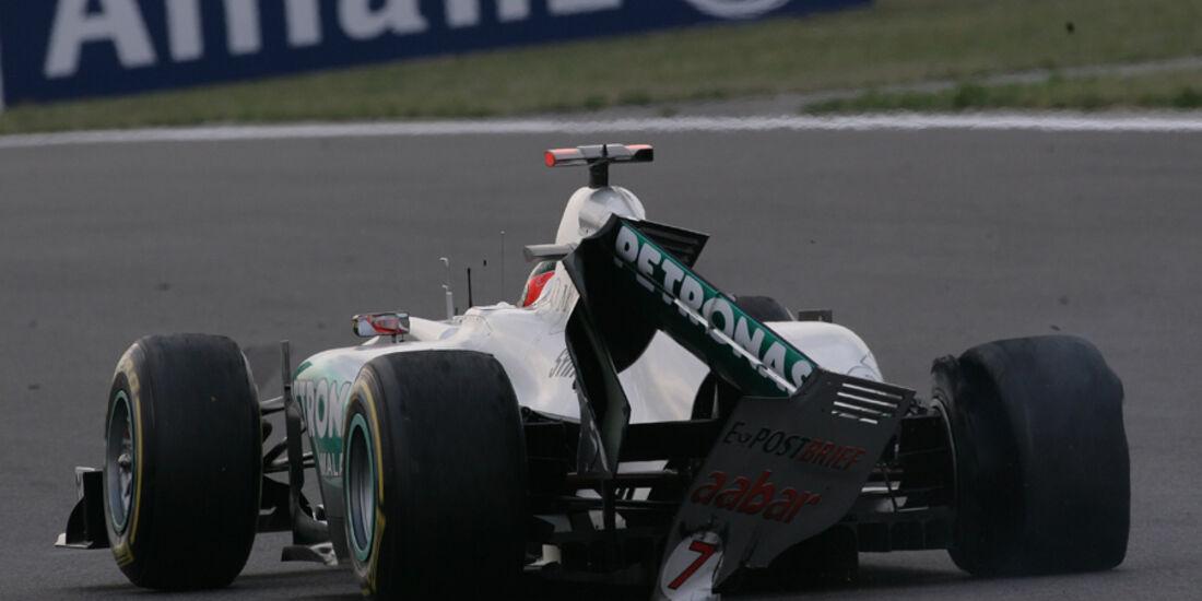 Michael Schumacher GP Korea Crashs 2011