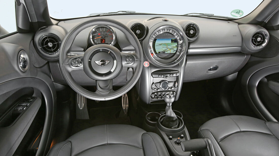 Mini Cooper SD Countryman All4, Cockpit