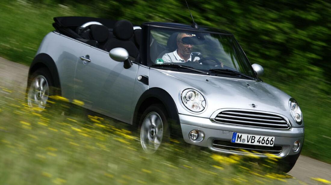 Mini One Cabrio Im Fahrbericht Offener Mini In Der Basisversion