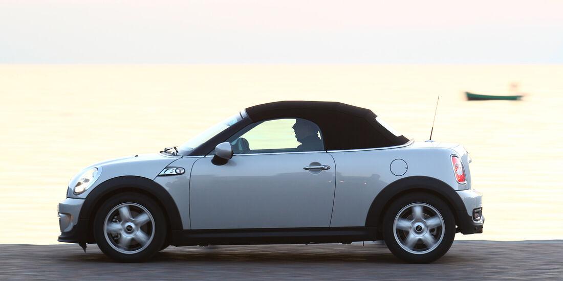 Mini Roadster Cooper S, Seitenansicht, Verdeck geschlossen