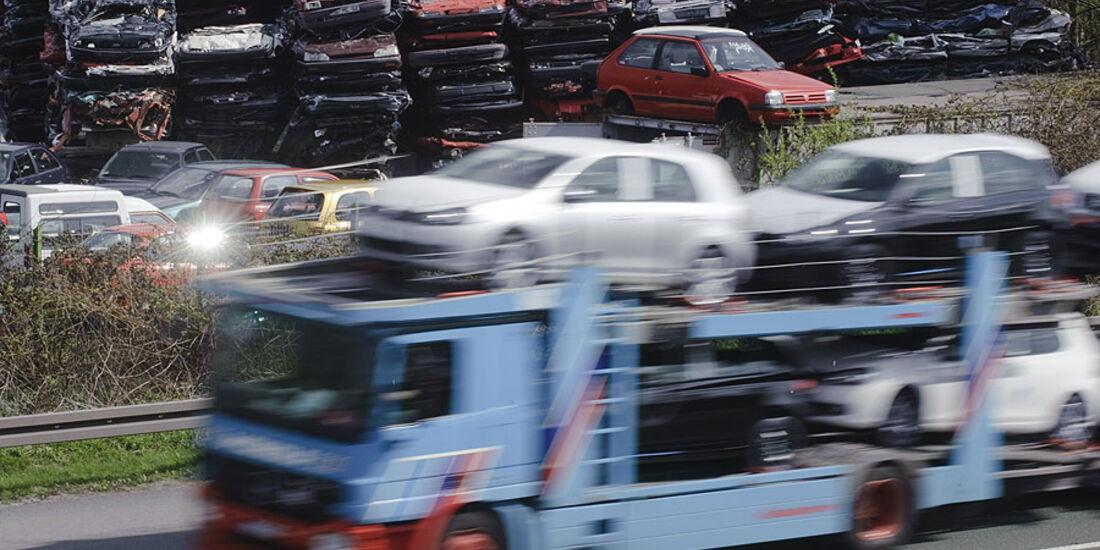 Neuwagen Transport Abwrackpr�mie Schrottplatz
