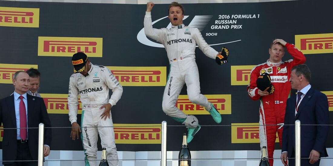 Nico Rosberg - Lewis Hamilton - Kimi Räikkönen -Podium - GP Russland - Formel 1 - 1. Mai 2016