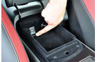 Nissan GT-R, USB-Anschluss
