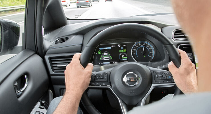 Nissan Leaf Acenta, Fahrerassistenzsysteme, ams0119