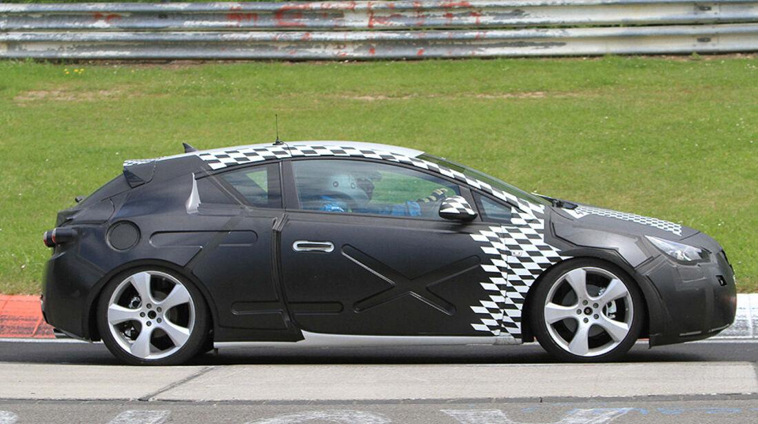 Opel Astra GTC Coupé Erlkönig