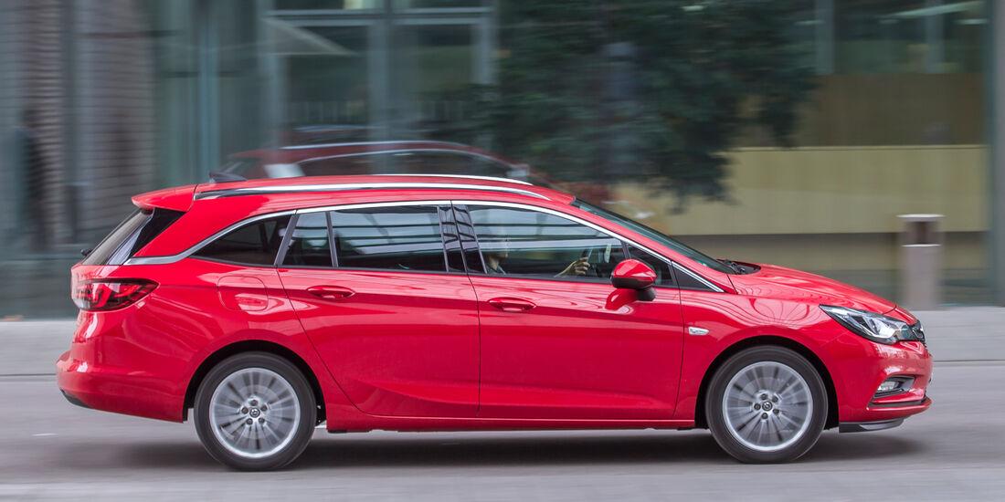 Opel Astra Sports Tourer 1.6 Biturbo CDTI, Seitenansicht