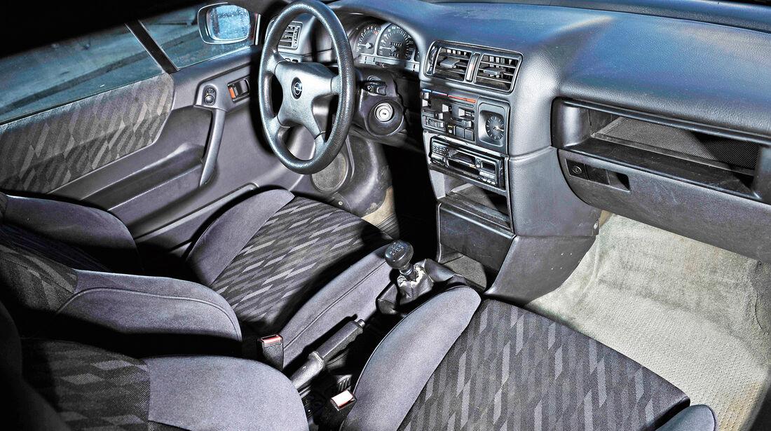 Opel Calibra 2.0i, Cockpit, Interieur