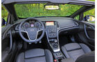 Opel Cascada 1.6 Sidi Turbo, Cockpit