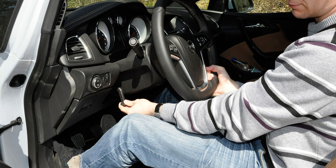 Opel Cascada, Lenkradverstellung